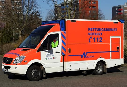 Rettungswagen 2